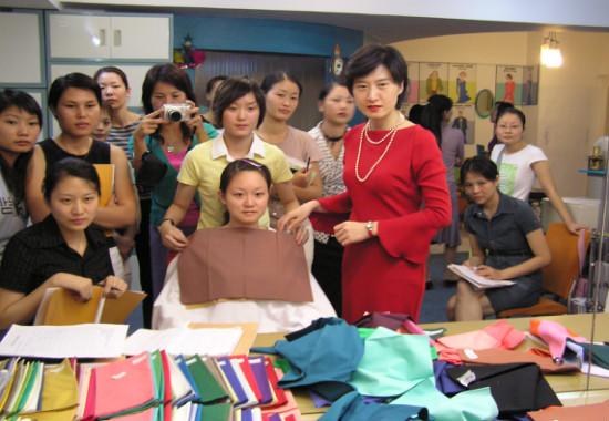 刘纪辉校长倾力打造个人形象课程 《 时尚名媛穿搭学堂》